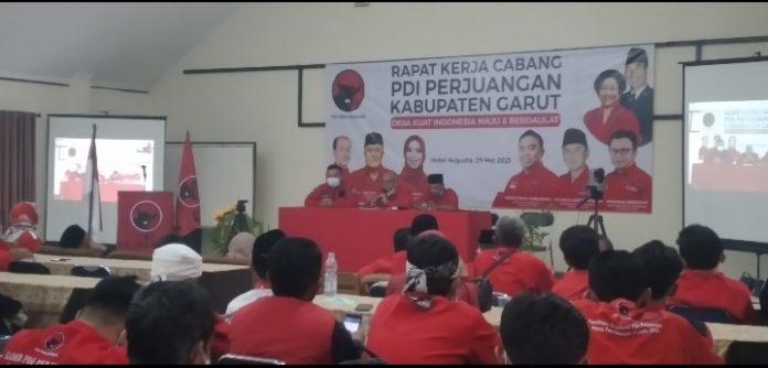 Ket Poto : Dewan Pimpinan Cabang (DPC) Partai Demokrasi Indonesia Perjuangan (PDI-P) Kabupaten Garut melaksanakan rapat kerja cabang ( Dok-Red )
