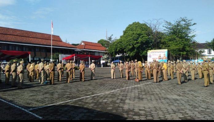 Ket Poto : Pegawai Negeri Sipil (PNS) di lingkungan Pemerintah Kabupaten Garut (Dok-Red)