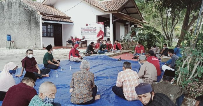 Anggota DPRD Garut, Yudha Puja Turnawan Lakukan Temu Konstituen di Kampung Samoja, Desa Maripari, Sukawening (Dok-Red)