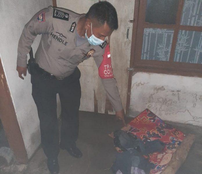 Anggota Kepolisian Sektor Tarogong Kidul Polres Garut saat cek TKP (Ist)