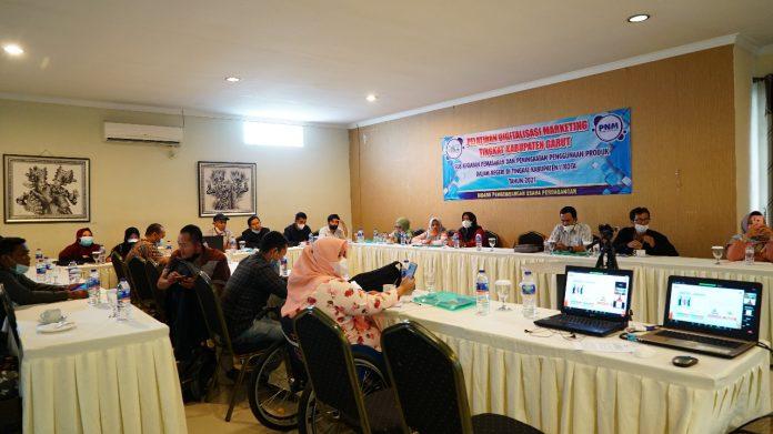 Disperindag ESDM Garut menggelar Pelatihan Digitalisasi Marketing, di Ruang Meeting Villa Aleyra, Jalan Pembangunan, Kecamatan Tarogong Kidul, Kabupaten Garut, Kamis (23/9/2021).